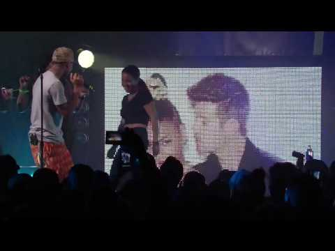 Pharrell Williams performs Blurred Lines from Robin Thicke HD @ HTC Live