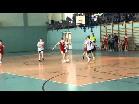 Halowa Piłka Nożna Dziewcząt Branice Cz.1