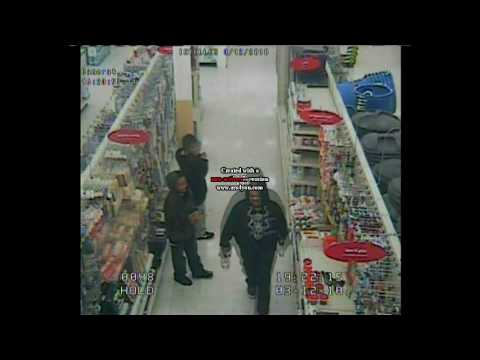 Undercover security sets up two kids to shoplift.
