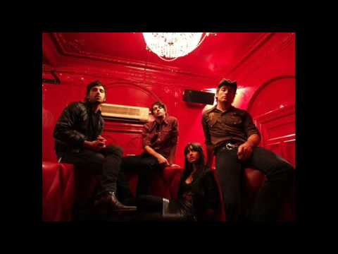 Howling Bells - Treasure Hunt