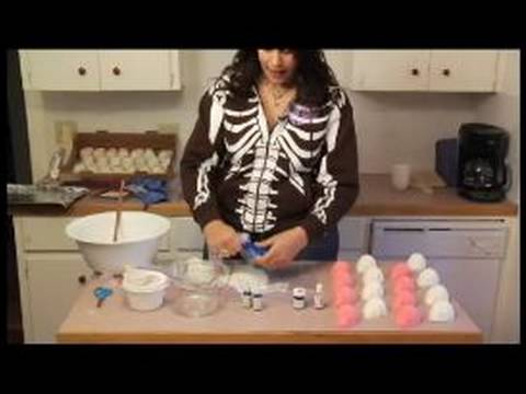 How to Decorate Sugar Skulls : How to Color Icing to Decorate Sugar Skulls Video