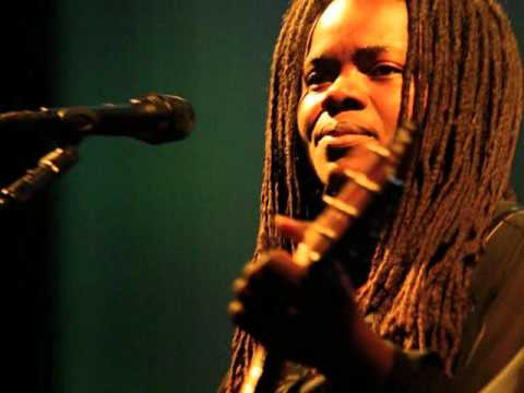 Tracy Chapman - Before Easter