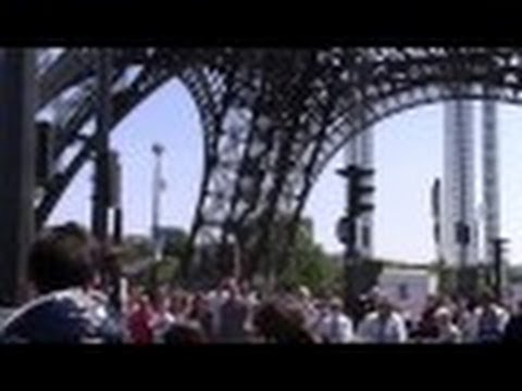 VISIONARIES Street Preaching @ EIFFEL TOWER, PARIS 5.18.14