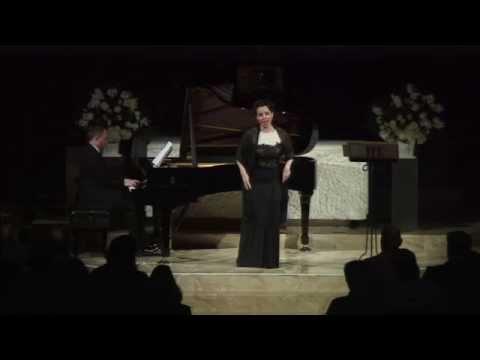 Sandra Lopez sings
