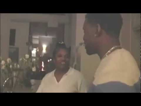 Kanye West sings HEY MAMA with his mother.