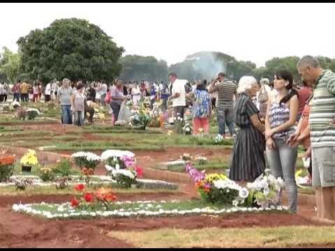 Expectativa prevê visitas de cerca de 100 mil pessoas aos cemitérios de Uberlândia