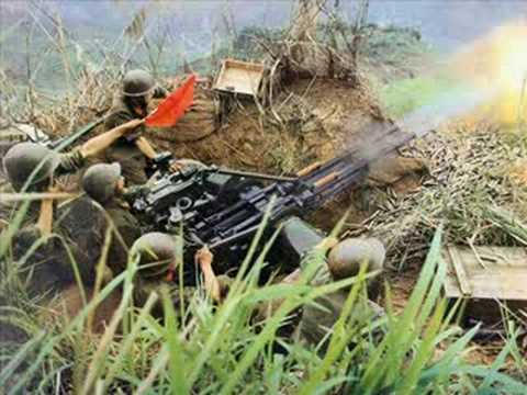 American machine gunners in vietnam.
