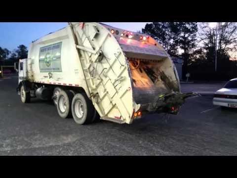 Columbia Garbage Trucks Getting Gas!!