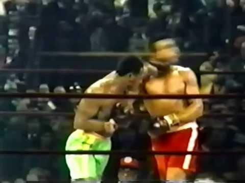 Fight of Titans:♛ Muhammad Ali VS Joe Frazier 1 ♛ . Great Quality