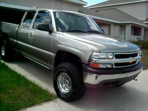 2001 Chevy Silverado 1500 extended cab 4x4 lifted f/t 5800