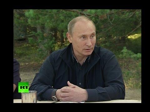 Владимир Путин: Сноуден покинет Россию, как только у него будет такая возможность