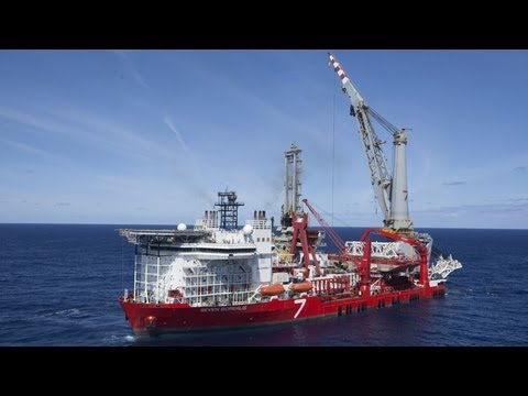 Vessels - Seven Borealis - A world-class pipelay / heavy lift strategic enabler