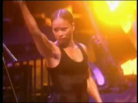 Madonna - La isla bonita - 2001