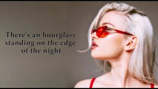 Alice Chater - Hourglass (Lyrics)