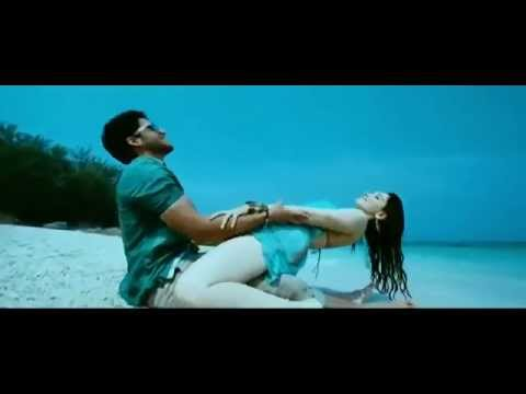 Tamanna Hot In Thadaka video