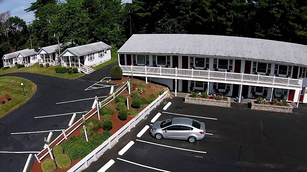 Modern Motel  Grand View Motel and Cottages