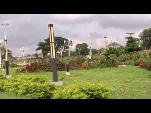 2013-DRIVING THROUGH KINSHASA (Congo)