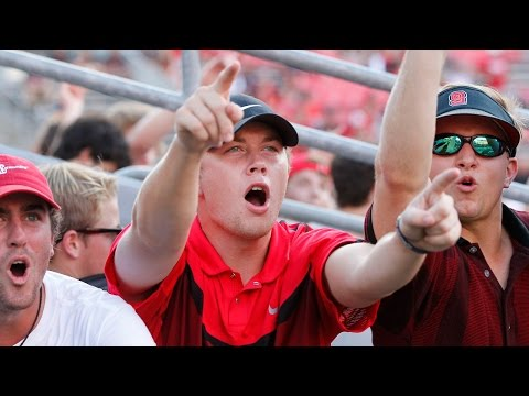 Scotty McCreery cheers on NC State before their game with Old Dominion