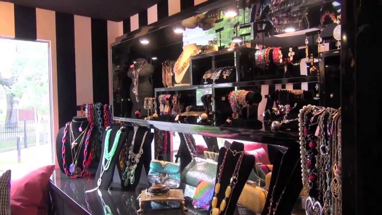 La boutique mobile fashion truck in tampa fl youtube for Mobel stylisch
