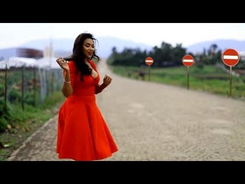 Singer Helen Berhe talks to VOA Amharic journalist Konjit Taye