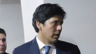 ANCHOR BABY STATE SEN. KEVIN DE LEON GETS CONFRONTED AND CHASED BY TRUMP SUPPORTERS