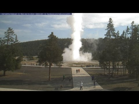 7/15/2014 -- (HD) Yellowstone / Old Faithful - Geyser erupts Mushroom Cloud - larger than