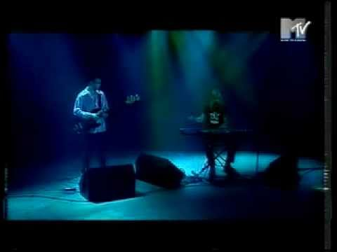 Donna Lewis performing I Love You Always Forever live on MTV London #1
