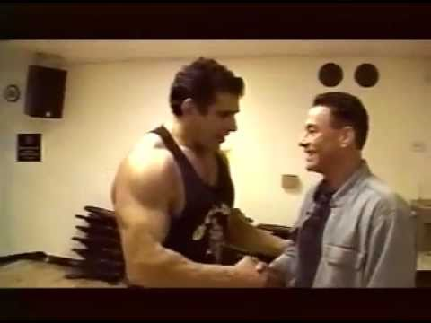 Jean-Claude Van Damme & Lou Ferrigno at Gold s Gym