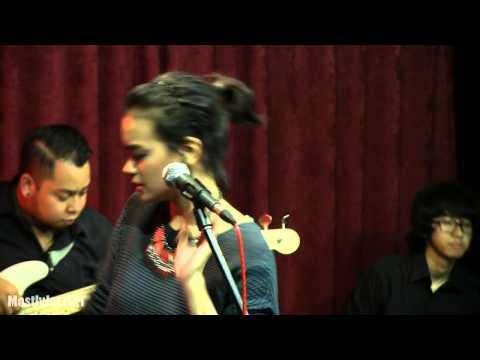download lagu Indra Lesmana Ft. Eva Celia - Takkan Ada gratis