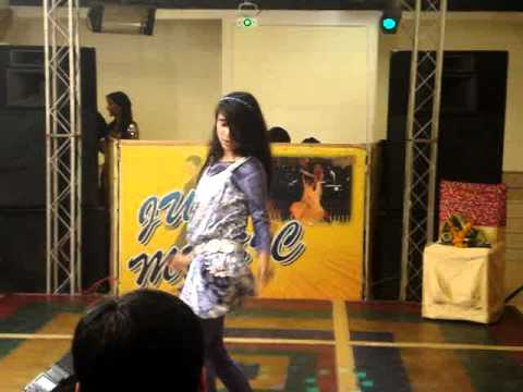 Left Leg Aage-aage - Dance Performance By Riya video