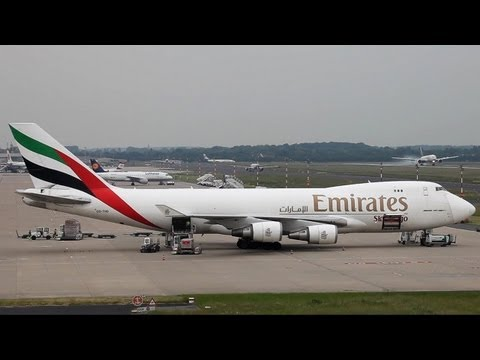 Boeing 747 Load Time-Lapse. From Arrival until Departure + Go Around ( HD )