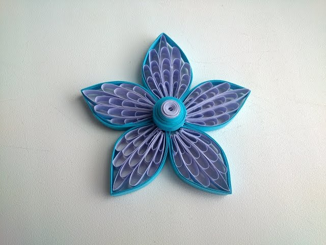 Quilling Flowers Tutorial Quilling flowers using a comb.