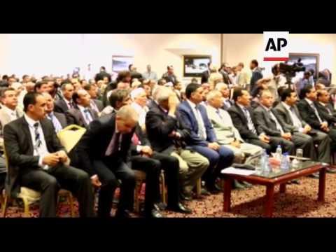 LIBYA - Dramatic video captures fighting between rival militias around airport in Tripoli / Inaugura