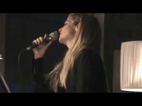 Anna and Lia Vissi Live, De Thelo Na Kseris, Athens - 19/11/2011 [fannatics.gr]