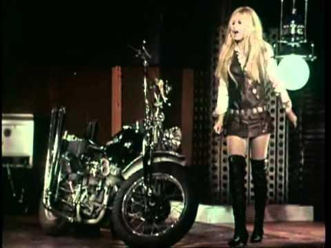 Brigitte Bardot - Harley Davidson - 1967
