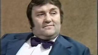 Parkinson - Les Dawson - 1974.avi
