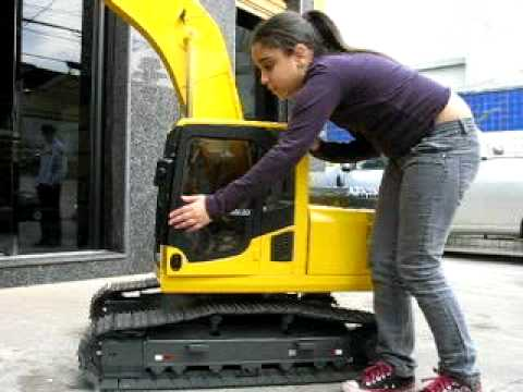 Komatsu PC 200 Mini Music Videos