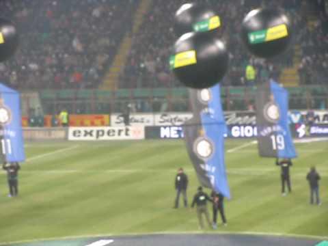2010.01.24 Inter - Milan 2 - 0 - Formazione Inter con coreografia