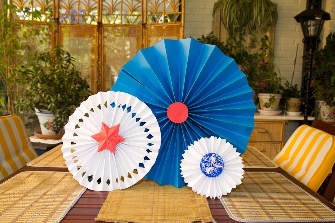 Circulos o medallones de papel para fiesta o decoracion for Papel de decoracion