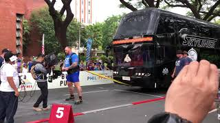 'The Mountain / Ser Gregor Clegane' Hafthor Björnsson Bus Pull at the World's Strongest Man - Ph'18