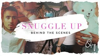 Quincy Snuggle Up Behind The Scenes