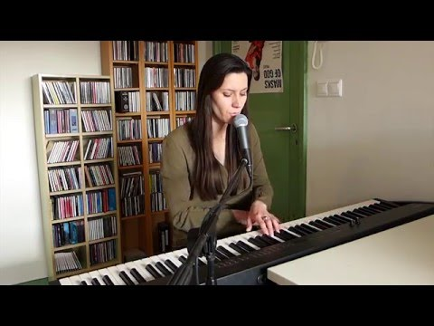Massive Attack - What Your Soul Sings - live cover by Laura Stavinoha