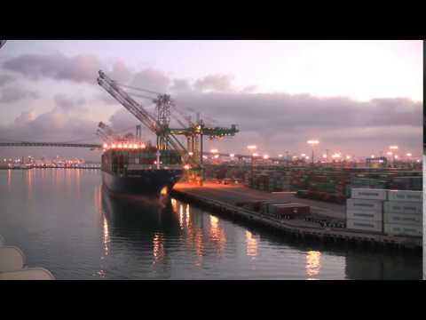 los angeles cargo ship at dock wj58xwwzs  D