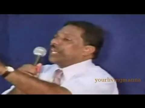 Malayalam Christian Testimony By Bro.reni George (madrasile Mon) video