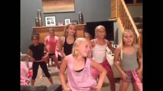 Download VINE- Little girls dance to Don't drop that Thun Thun 3Gp Mp4