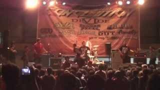 DIVIDE - Titik Dalam Koma (Conclution Fest 2013 SURABAYA)