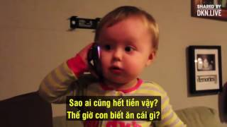 Con trai nói chuyện với bố siêu dễ thương