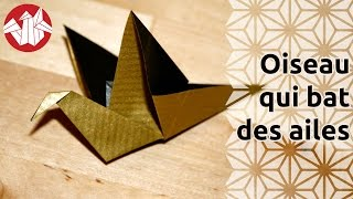 Origami - Oiseau Qui Bat Des Ailes