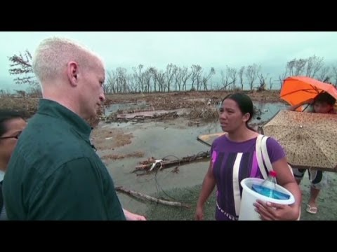 """The """"miserable"""" situation in Tacloban, Philippines"""