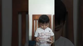 Bé Gia Lạc 5 tuổi chơi một mình năm 2018